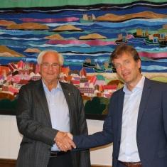 Adm. banksjef  Knut Grinde Jacobsen (t.v.) og rådmann Ole Bernt Thorbjørnsen (t.h.). Foto: HaugesundNytt